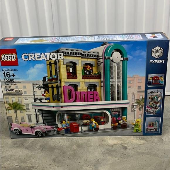 Lego 10260
